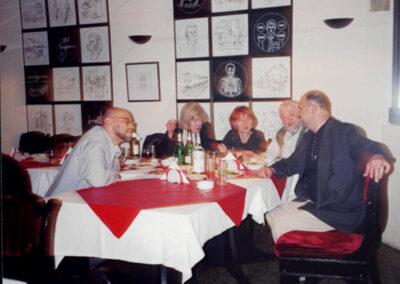 2000, Петербург, после презентаци Шинели Пушкина, слева направо Д.А. Пригов, Таня, Наташа Ковалег