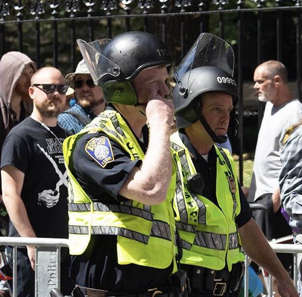 Нацики и Антифа в Бостоне