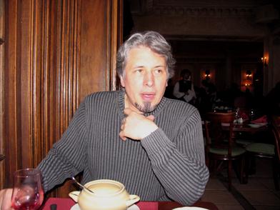 март 2005, Москва, Володе Сорокину в ресторане Пушкин рассказываю о Письме президенту