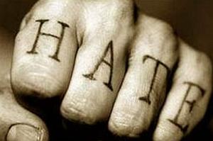 Жертва с кулаками